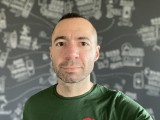 Selfie camera portraits, 7MP - f/2.2, ISO 250, 1/60s - Apple iPhone 12 review