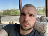 Apple iPhone SE (2020) 7MP selfies - f/2.2, ISO 20, 1/121s - Apple iPhone SE 2020 review