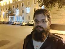 ROG Phone 3 low-light selfie camera samples - f/2.0, ISO 1241, 1/13s - ROG Phone 3 review