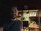 Low-light selfie samples: Galaxy Note20 Ultra - f/2.2, ISO 2500, 1/13s - Flagship camera comparison, fall 2020