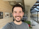Selfie samples: iPhone 12 Pro Max - f/2.2, ISO 32, 1/121s - Flagship camera comparison, fall 2020