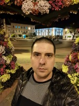 Night selfies: Auto, Portrait, Night Mode - f/2.2, ISO 1250, 1/25s - Huawei P40 Pro Long-term review