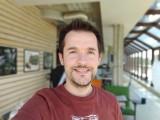 Selfie portraits - f/1.9, ISO 50, 1/120s - LG Velvet review