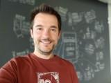 Selfie portraits - f/1.9, ISO 150, 1/30s - LG Velvet review
