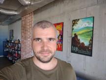 Selfies: Normal - f/2.0, ISO 173, 1/50s - Motorola Moto G 5G Plus review