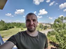Selfies: Ultra-wide - f/2.4, ISO 100, 1/661s - Motorola Moto G 5G Plus review