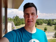 Selfie samples - f/2.0, ISO 100, 1/1915s - Motorola Moto G Pro review