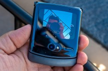 Camera UI on the Quick View display - Motorola Razr 5G hands-on review
