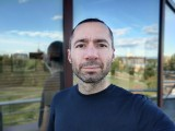 Selfie portraits, 16MP - f/2.5, ISO 125, 1/809s - OnePlus 8T review