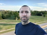 Selfie portraits, 16MP - f/2.5, ISO 125, 1/911s - OnePlus 8T review