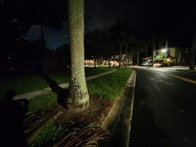 Ultra-wide Nightscape off vs on - f/2.2, ISO 5000, 1/4s - OnePlus 8T hands-on review