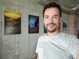 Selfie portrait samples - f/2.4, ISO 114, 1/33s - Oppo Reno4 Pro review