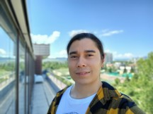 Selfie portrait samples - f/2.2, ISO 64, 1/305s - Samsung Galaxy A31 review