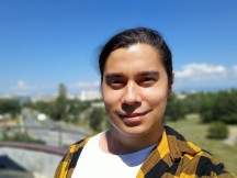Selfie portrait samples - f/2.2, ISO 64, 1/1848s - Samsung Galaxy A31 review