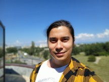 Selfie portrait samples - f/2.2, ISO 64, 1/1851s - Samsung Galaxy A31 review