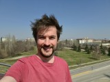 Selfie samples - f/2.2, ISO 50, 1/2296s - Samsung Galaxy S20+ review