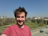 Selfie samples, Live focus mode - f/2.2, ISO 50, 1/2376s - Samsung Galaxy S20+ review