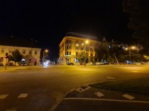 Nighttime samples, ultrawide - f/2.2, ISO 2500, 1/25s - Samsung Galaxy S20 Ultra long-term review