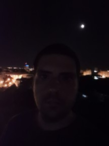 Nighttime selfies, Live focus (aka Portrait mode) off/on - f/2.2, ISO 2500, 1/13s - Samsung Galaxy S20 Ultra long-term review