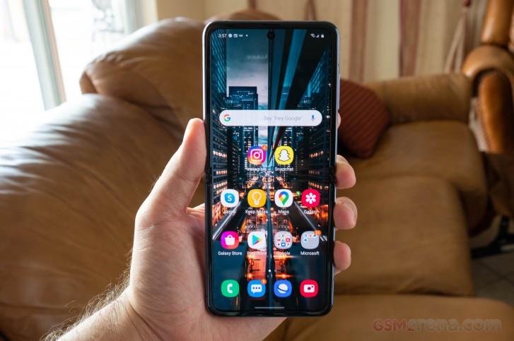 Samsung Galaxy Z Flip review - GSMArena.com tests