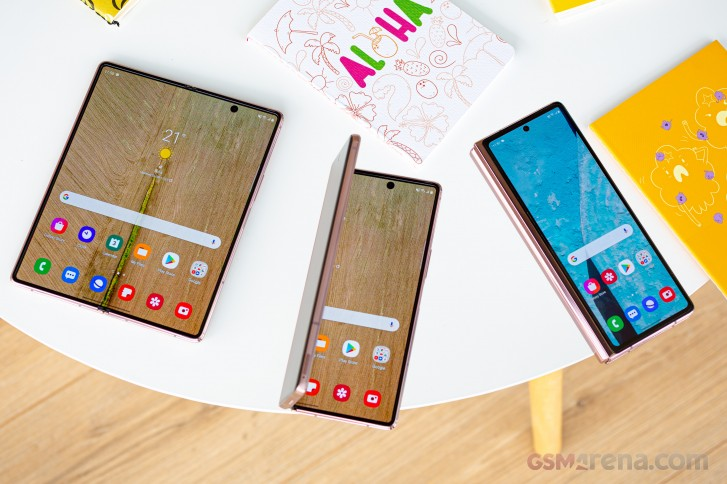 Samsung Galaxy Z Fold2 Review Gsmarena Com Tests