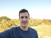 Selfie samples - f/2.0, ISO 50, 1/483s - vivo V20 review