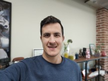 Portrait selfie samples - f/2.0, ISO 173, 1/60s - vivo V20 review
