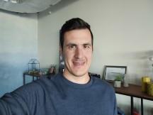 Selfie samples - f/2.0, ISO 273, 1/30s - vivo V20 review