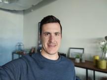 Portrait selfie samples - f/2.0, ISO 269, 1/30s - vivo V20 review