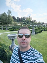 Selfies, daytime, portrait mode off/on - f/2.3, ISO 50, 1/395s - Xiaomi Mi 10 Pro long-term review