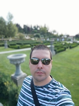 Selfies, daytime, portrait mode off/on - f/2.3, ISO 50, 1/875s - Xiaomi Mi 10 Pro long-term review