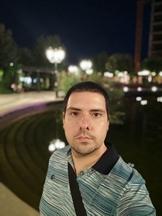 Selfies, nighttime, portrait mode off/on - f/2.3, ISO 403, 1/20s - Xiaomi Mi 10 Pro long-term review