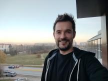 Selfie samples - f/2.5, ISO 50, 1/529s - Xiaomi Mi 10T Lite 5G review