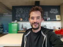 Selfie portrait samples - f/2.5, ISO 109, 1/33s - Xiaomi Mi 10T Lite 5G review