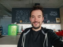 Selfie samples - f/2.5, ISO 136, 1/25s - Xiaomi Mi 10T Lite 5G review