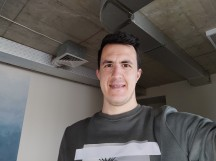 Normal selfies - f/2.2, ISO 167, 1/33s - Xiaomi Poco F2 Pro review