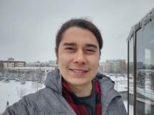 Selfies: Normal - f/2.2, ISO 100, 1/2587s - Motorola Moto G 5G review