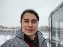 Selfies: Portrait - f/2.2, ISO 100, 1/2587s - Motorola Moto G 5G review