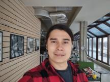 Selfies: Normal - f/2.2, ISO 100, 1/529s - Motorola Moto G 5G review