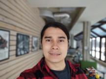 Selfies: Portrait - f/2.2, ISO 100, 1/365s - Motorola Moto G 5G review