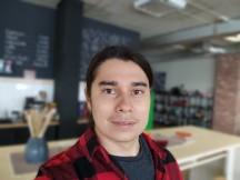 Selfies: Portrait - f/2.2, ISO 254, 1/100s - Motorola Moto G 5G review