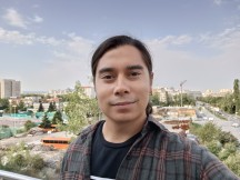 Selfies: Normal - f/2.4, ISO 102, 1/153s - Oppo Reno6 5G review