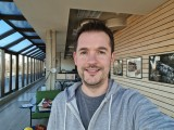 Selfies, 10MP or 5MP - f/2.2, ISO 64, 1/100s - Samsung Galaxy S21 Ultra review