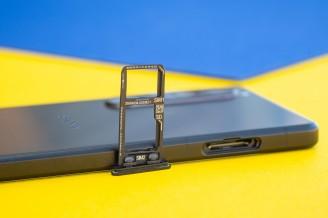 Hybrid microSD slot - Sony Xperia 1 III review