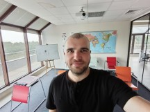 Ultrawide selfie camera samples - f/2.2, ISO 187, 1/33s - Tecno Phantom X review