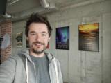 Selfie samples - f/2.5, ISO 306, 1/50s - vivo X60 Pro review