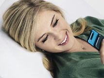Maria Sharapova signs with Sony Ericsson
